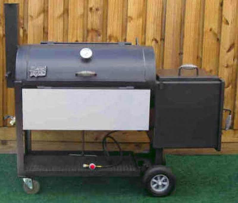 2040 Deluxe BBQ Smoker Pit