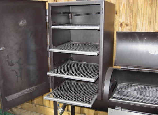 fully supported slide out shelves of upright chamber of 1628CC smoker pit