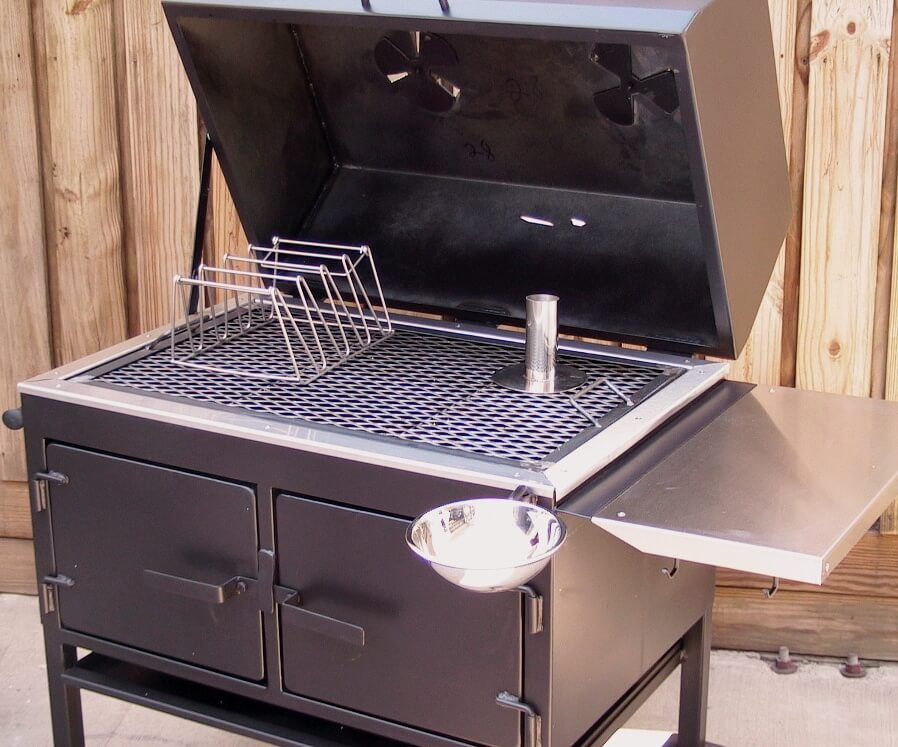 2436XL Fajita Grill with Optional Swivel Sauce Bowl, Rib Rack, and Drunken Chicken Stand