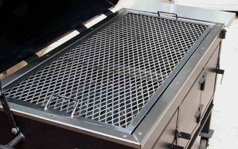 large direct grill on model 2454XL charcoal grill