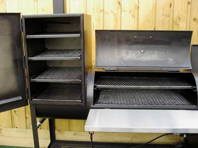 interior shelves of model 2040CC smoker pit