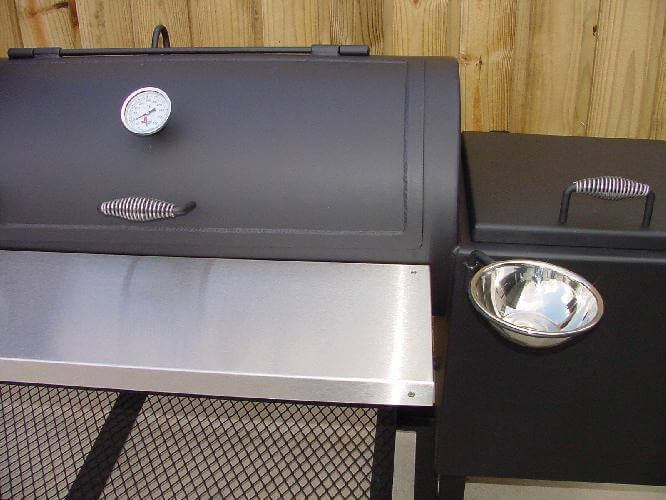 optional stainless steel swivel sauce bowl installed on model 2040CC smoker pit